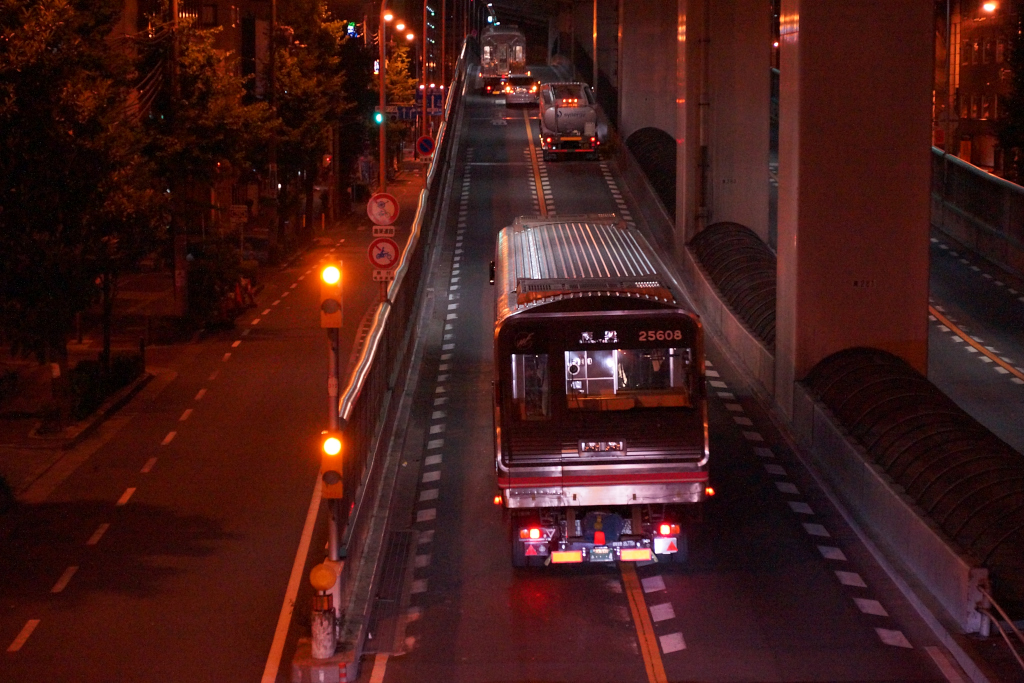 【千日前線】25608F(25系第8編成) 陸送搬入