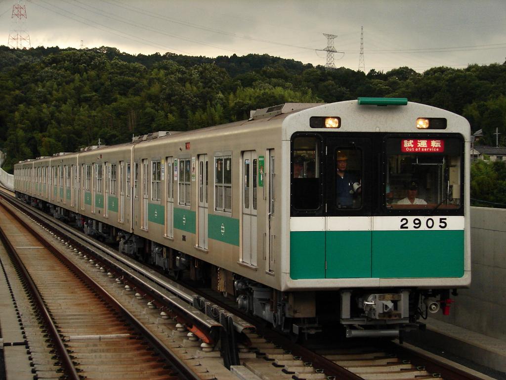 【中央線】2605F(20系05編成)、近鉄けいはんな線へ検査試運転