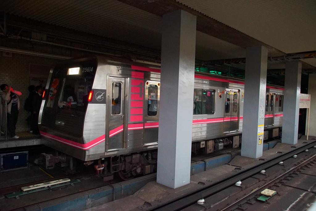 【千日前線】ハロウィン・ホラーナイトは2,500人もの乗客が一挙に野田阪神駅に集まって大混乱…!