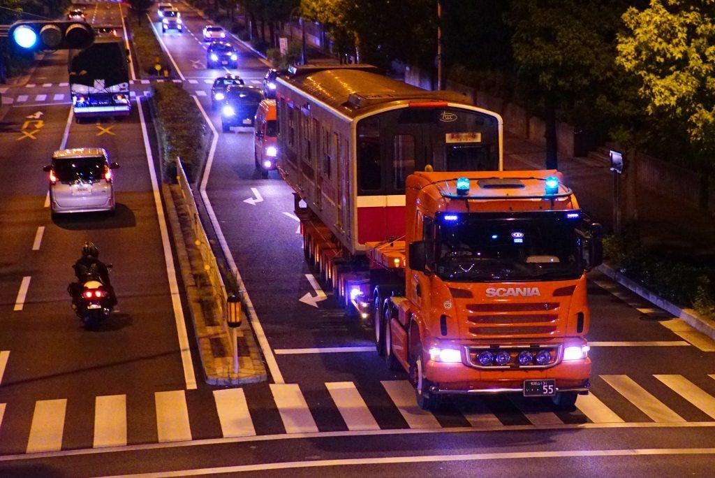 【廃車速報】御堂筋線10系09編成トレーラー陸送 廃車搬出