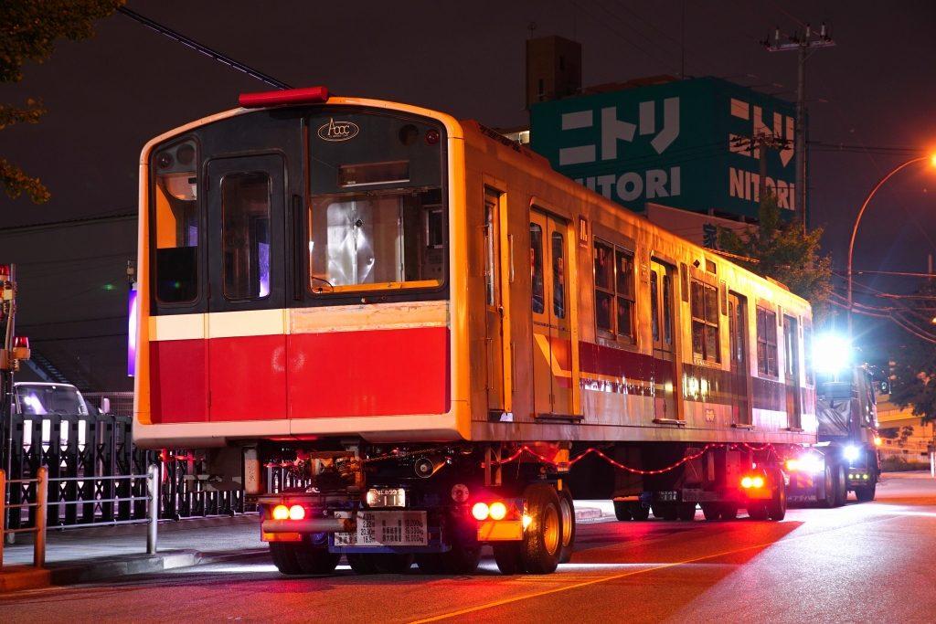 【廃車速報】御堂筋線10系16編成トレーラー陸送 廃車搬出