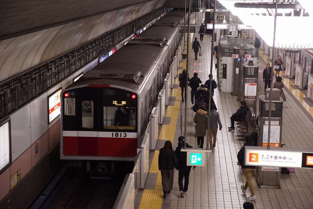 【記録写真】2019年、終夜運転時の心斎橋駅を撮る