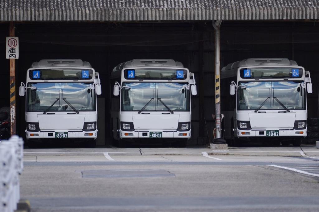 【大阪シティバス】守口営業所に真っ白な3台のバス…BRTいまざとライナー用?