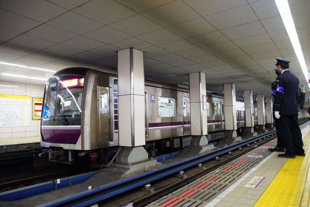 【速報】谷町線東梅田駅にホームドア設置開始!まずは1番線から